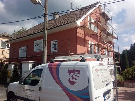 Nátěry fasády-domeček v novém kabátu.jpg
