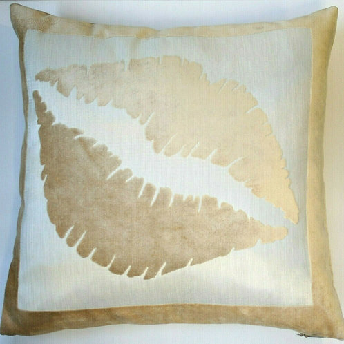 Beige Lips/Kiss Velvet Cushion