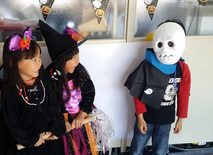 halloween-kids_orig.jpg