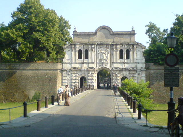 Entrata_della_Cittadella_Parma
