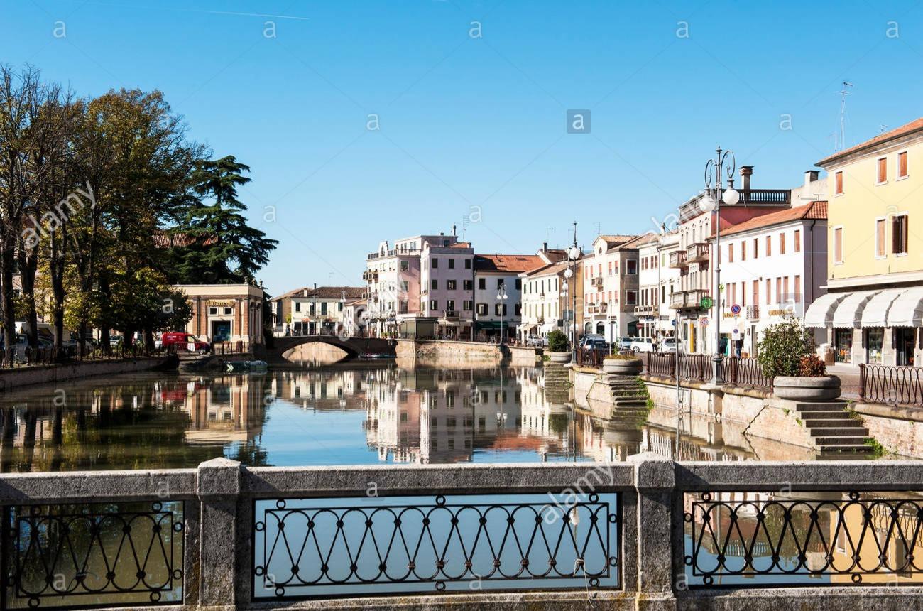 Lungo Canal Bianco