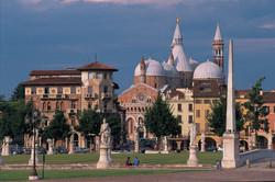 prato_della_valle_scorcio_basilica_santo_rid
