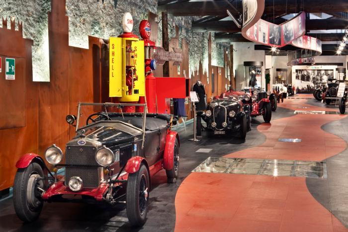 Museo mille miglia interno