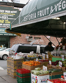 Astoria_fruit_market.jpg