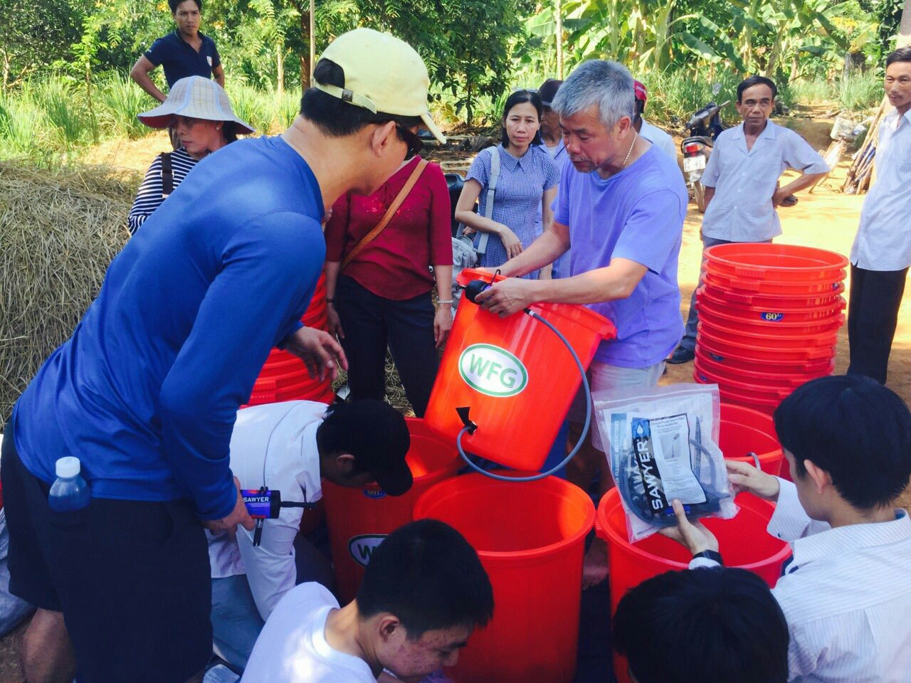 Hue 2015 water filter mission pic3.jpg
