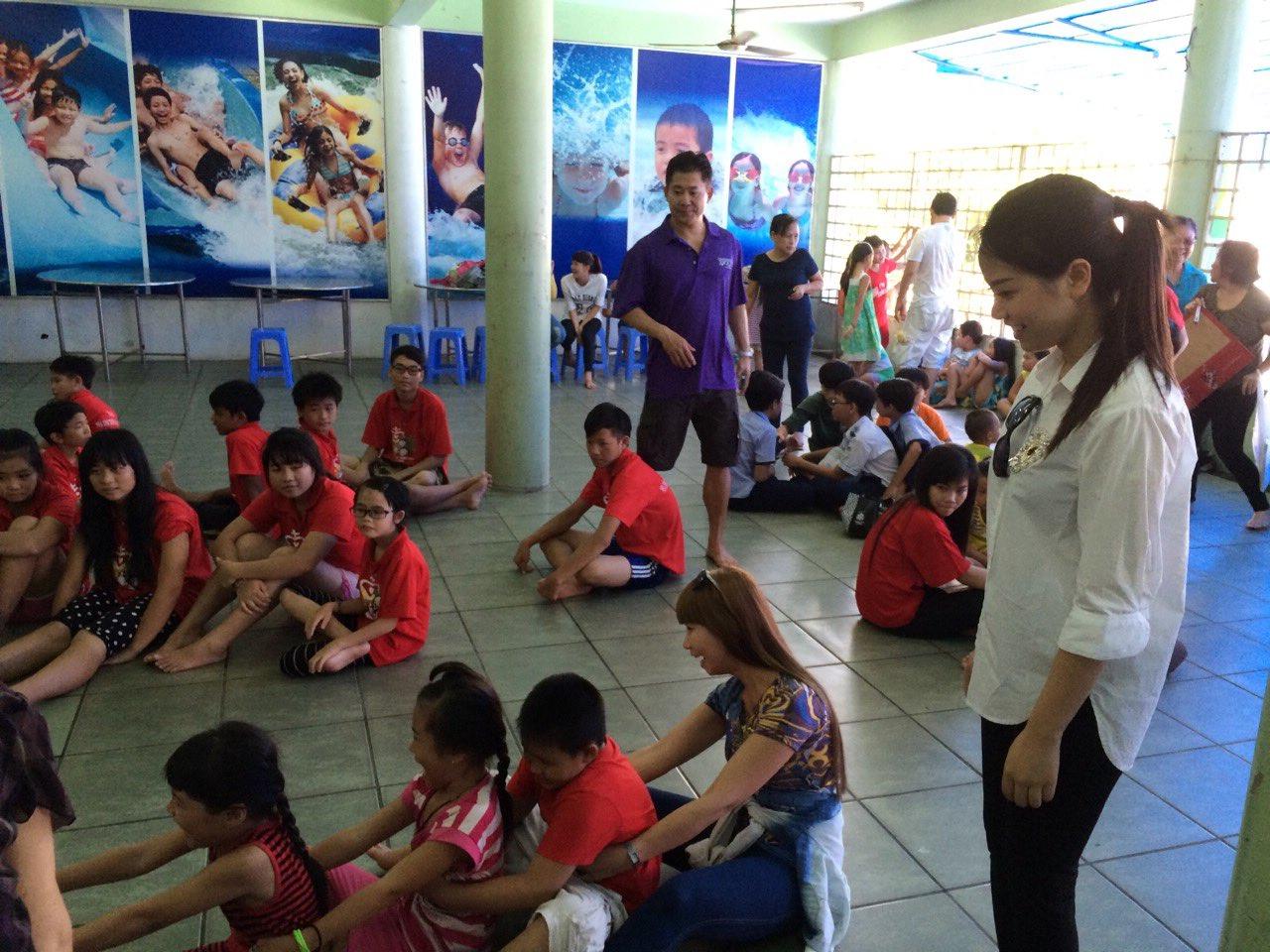 Fuuunday at the Saigon water park