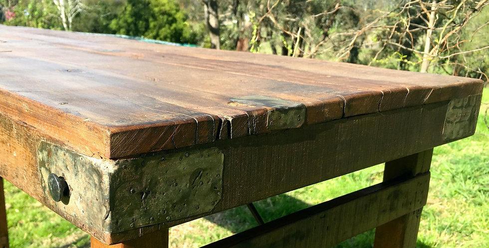 Medici Bar Table SG70B