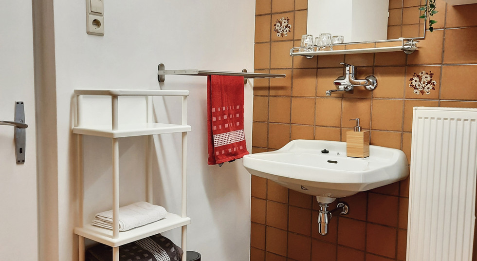 08. Badezimmer 1.jpg