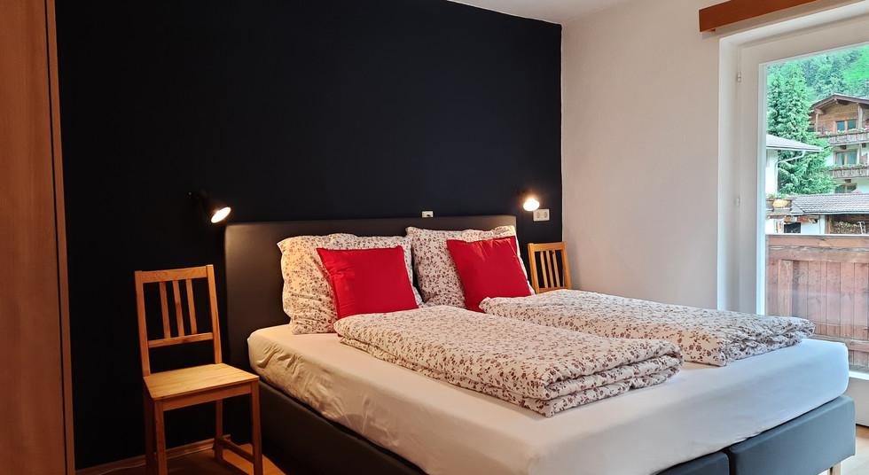 12. Schlafzimmer 2.jpg