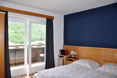 01. Zimmer 3 (2.St) a.JPG