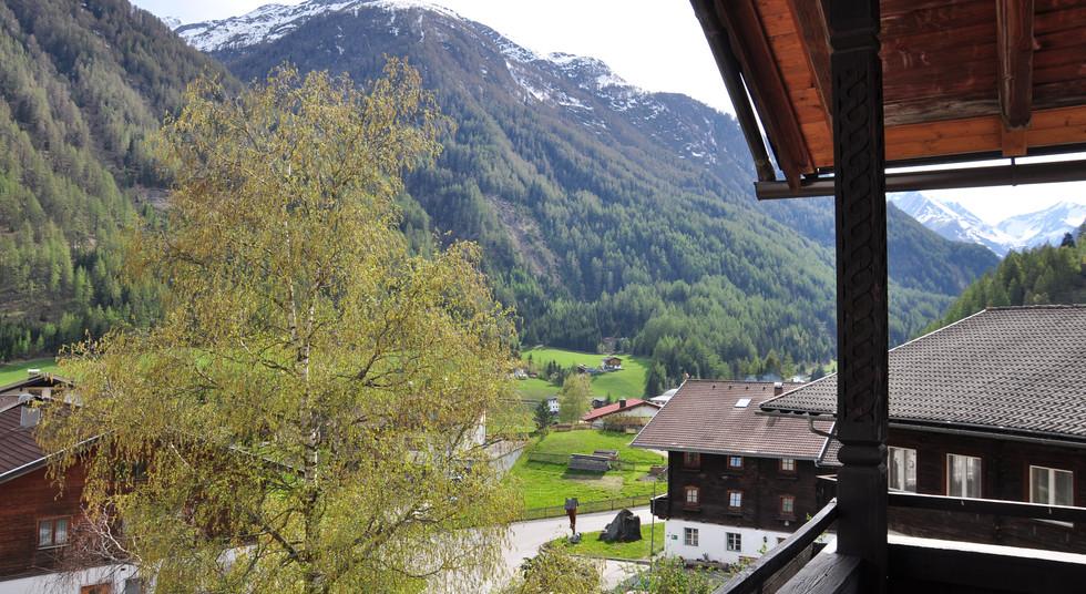 07. Aussicht Balkon Südseite.JPG