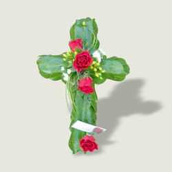 Mossed_Cross_with_Foliage_Base