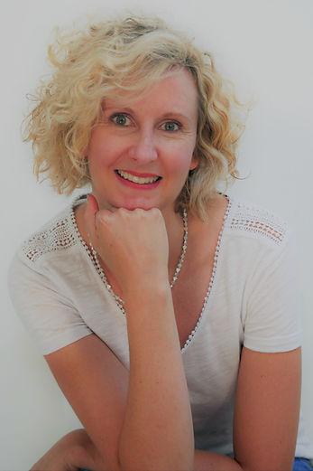Dr Emma Derbyshire.jpg