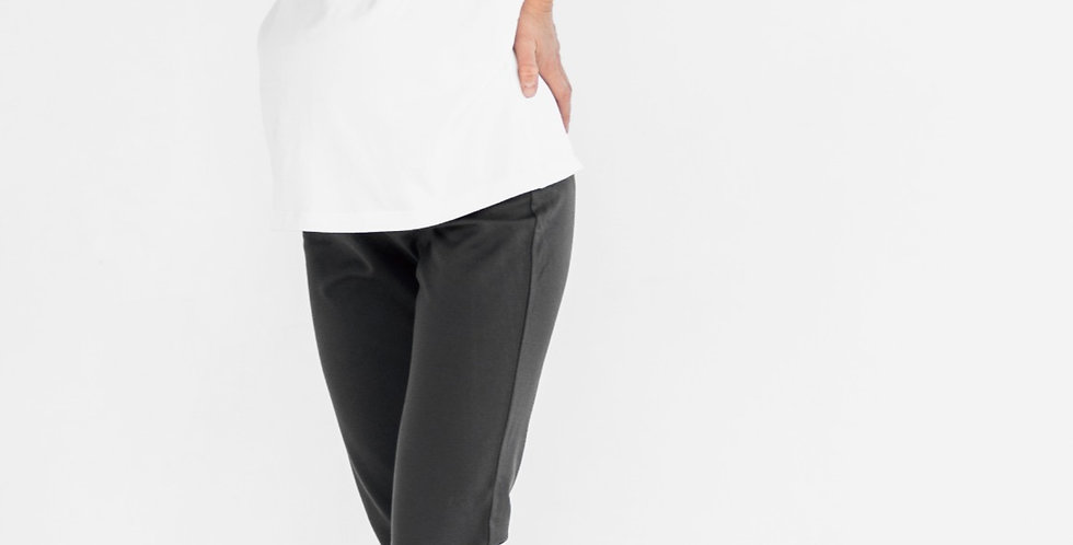Белая футболка со сборкой на живот