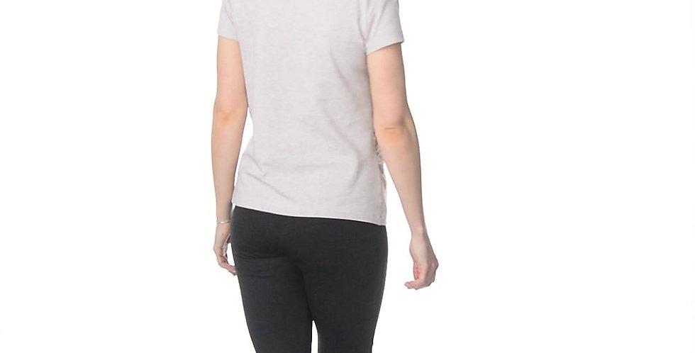 Бежевая футболка со сборкой на живот