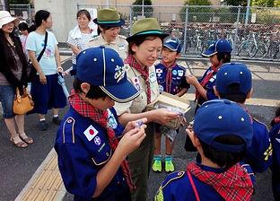 2018CS隊キャンプ記念バッチ授与(8.6).JPG
