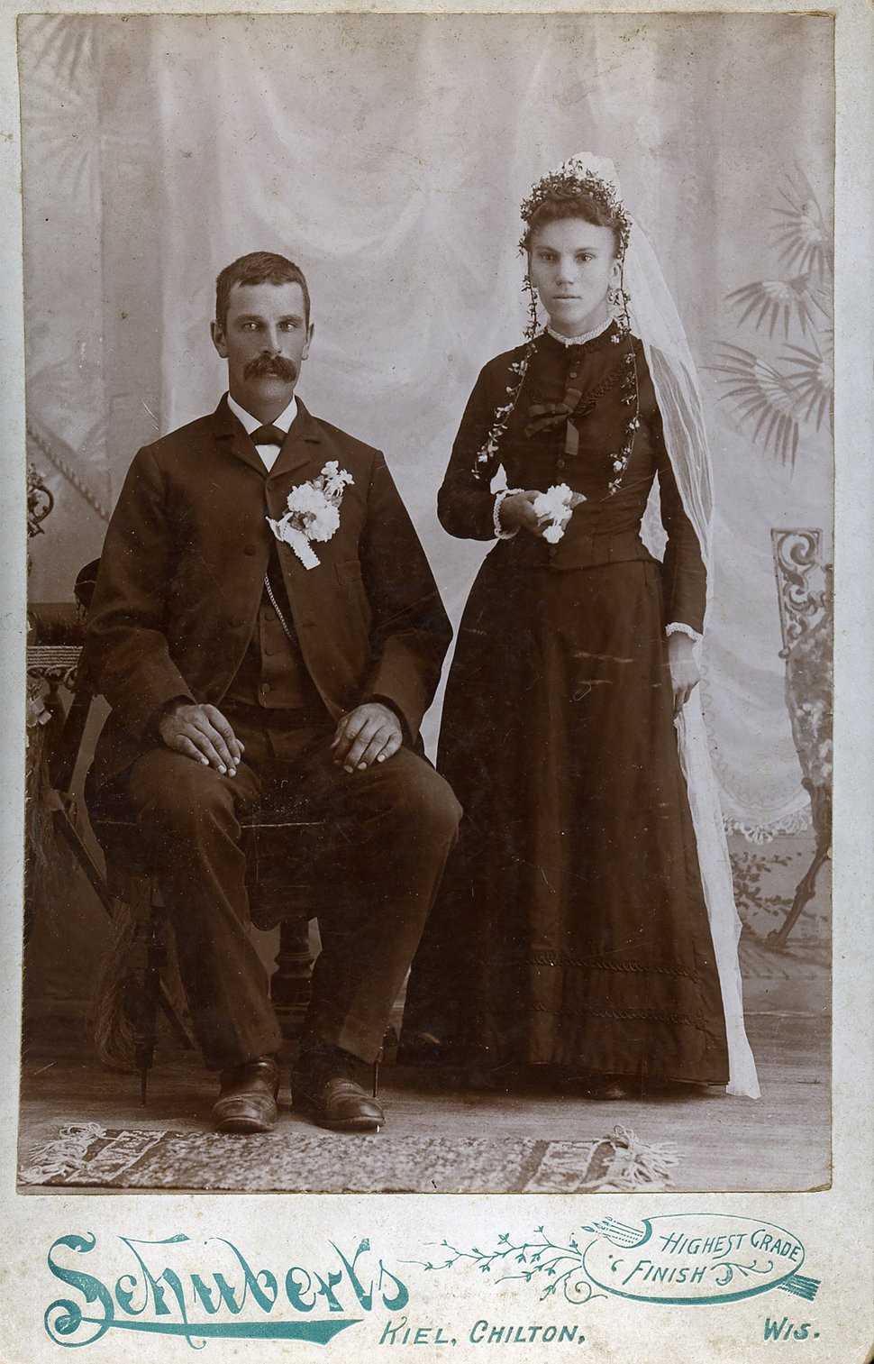 (https://petapixel.com/2017/07/03/wedding-photos-looked-like-late-1800s/ - Author: Will Nicholls Date: July 07, 2013))