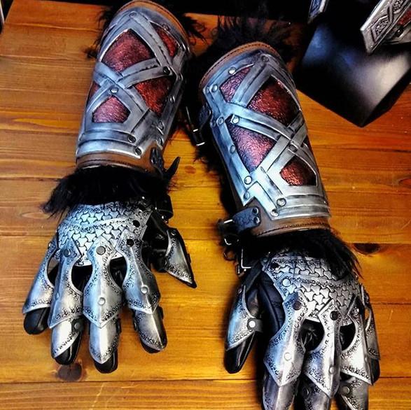Gauntlets__#armor #leather #leatherarmor
