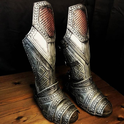 Dwarven greaves and boot covers.__#dwarf
