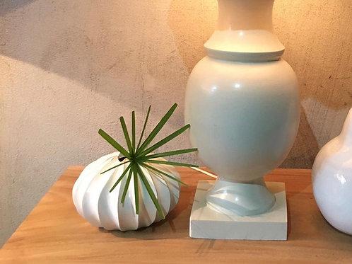 """Vase en bois de manguier """"Oursin"""" blanc"""