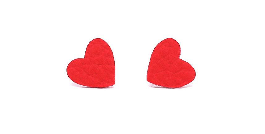 Mini hearts studs earrings