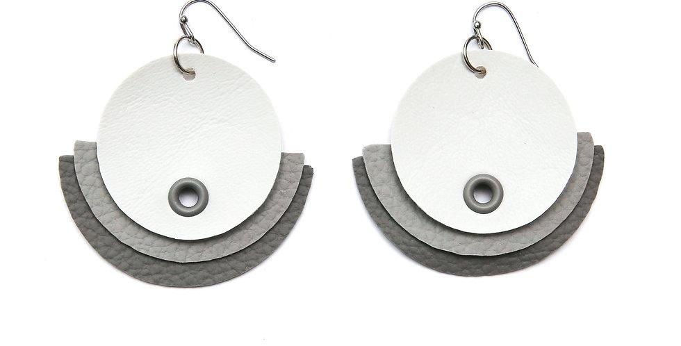 Monochromatic earrings - Grey