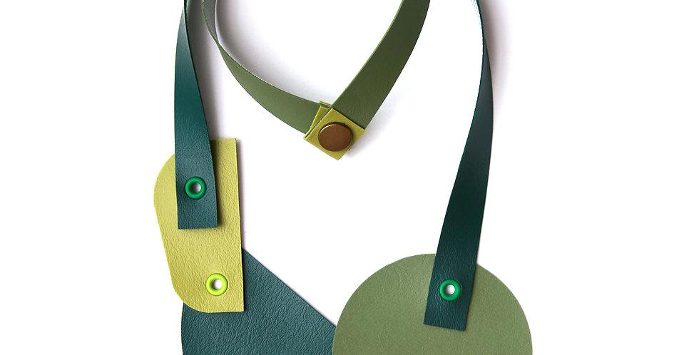 Green monochromatic necklace