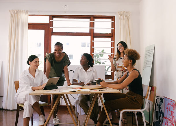 group-of-women-having-a-meeting-3810754.