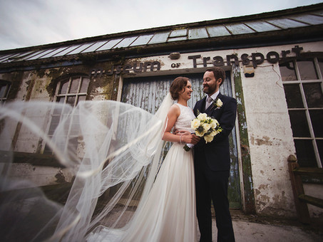 A Winter Wedding with a Christmas Theme