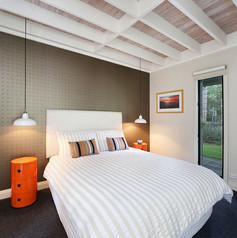 bedroom-pearl-beach-accomodation-18-peop