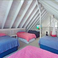 bedroom-pearl-beach-accomodation-4-peopl
