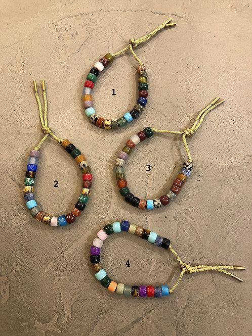 Armband met mineralen kralen