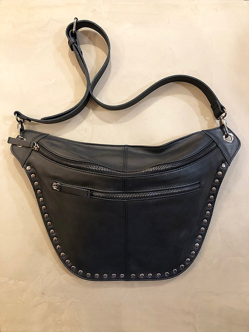 XL heup of crossbodytas in leer met studs