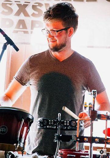 Austin Birdy performig with Aüva live @ South by Southwest