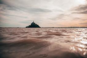 monté de la marée avec vue sur le Mont S