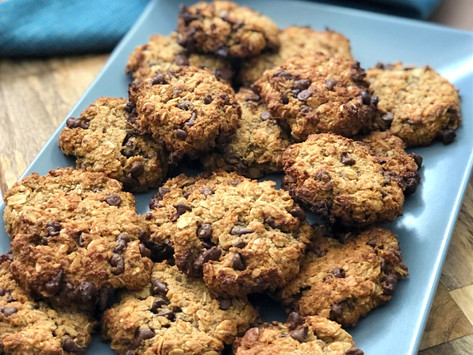 Chewy chocolate-chip oatmeal cookies