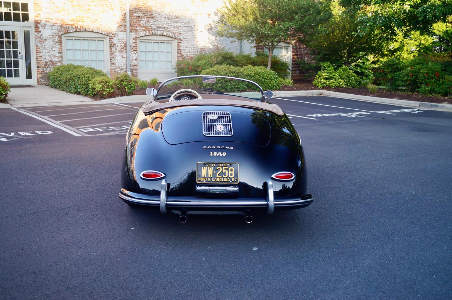 Porsche 356 Speedster 6.jpg