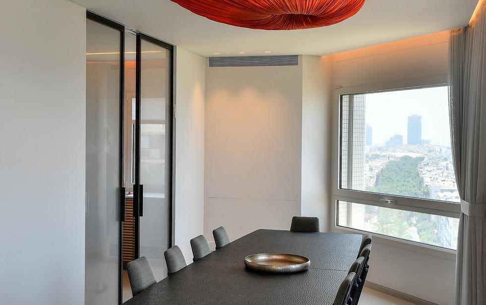 Gan Hair Tower, dining area