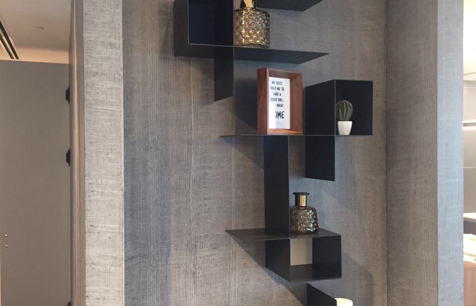 One Lustigman, shelves detail