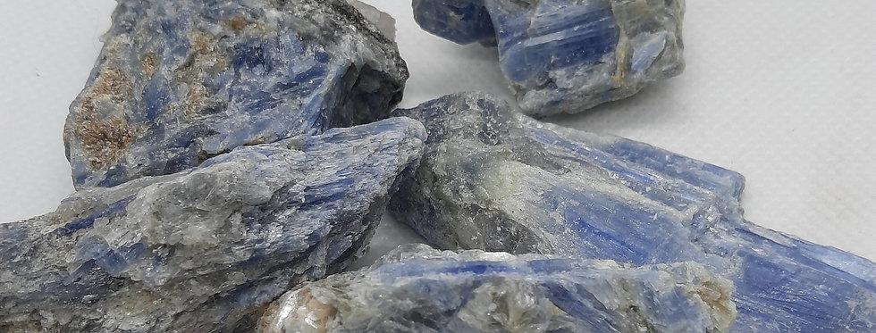 Kyanite Med Pieces