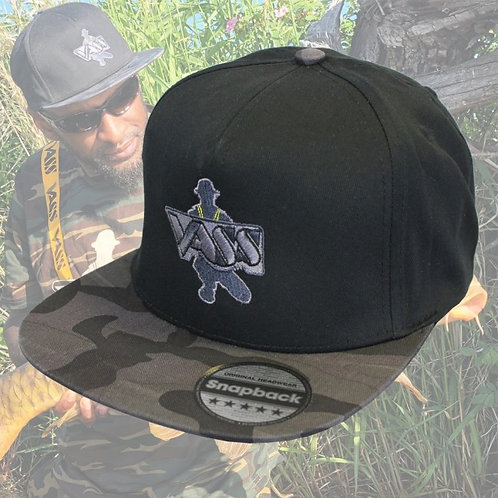 Vass SnapBack Fishing Cap – Black with Black & Grey Camouflage Peak