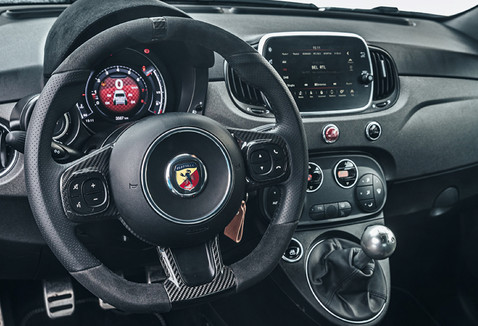 abarth-695-70th-11.jpg