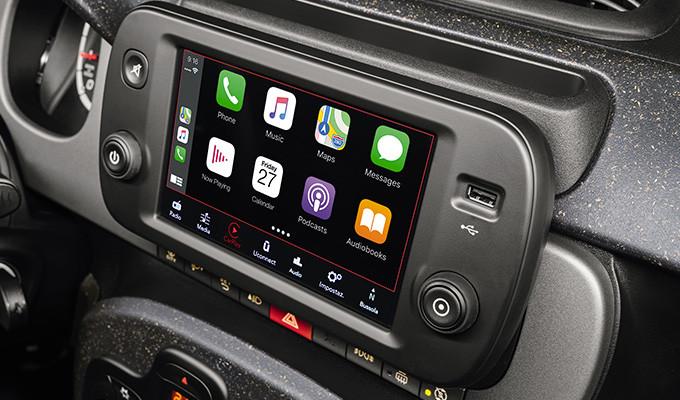 Fiat_Panda-Cross-Trims-radio-touch-scree