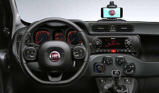 Fiat_Panda-City-Life-Trims-steering-whee