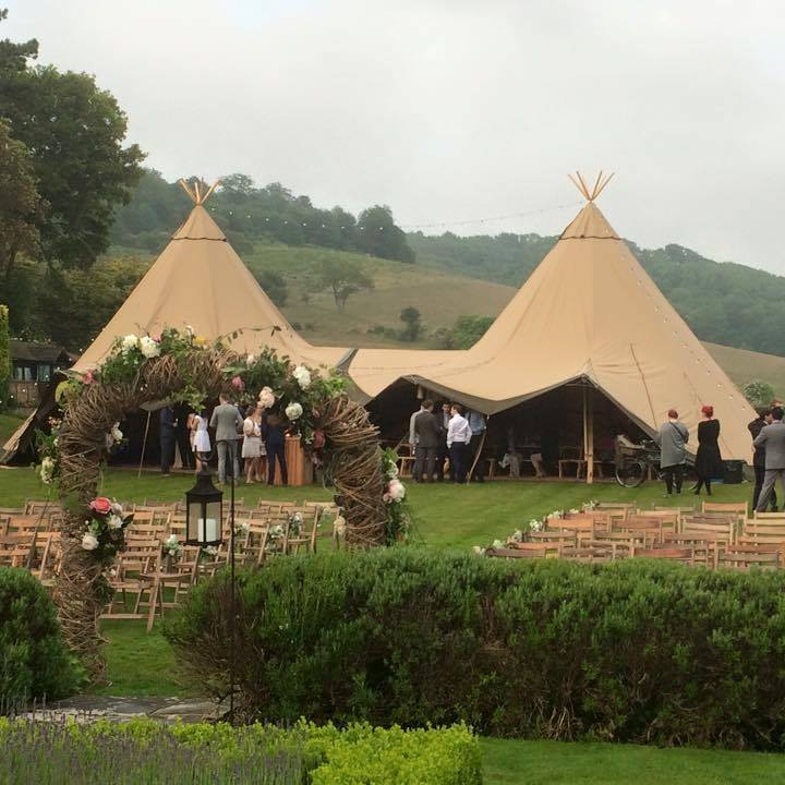 Kent Woodland Wedding - Roundoak, Ke