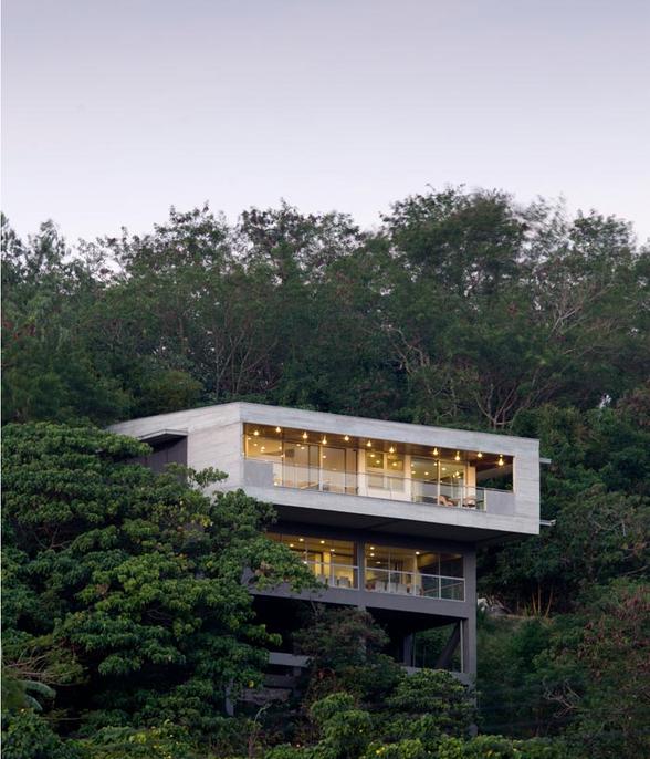 MV House - Modern House on Hill