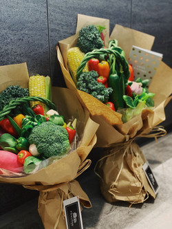 Small and Classic Veggie Bouquet