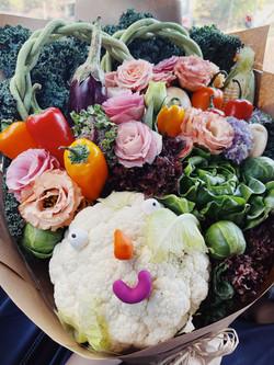 Classic Smiley+ Flower bouquet