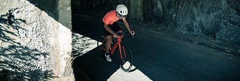 fietsen - racefiets - rotsen.jpg