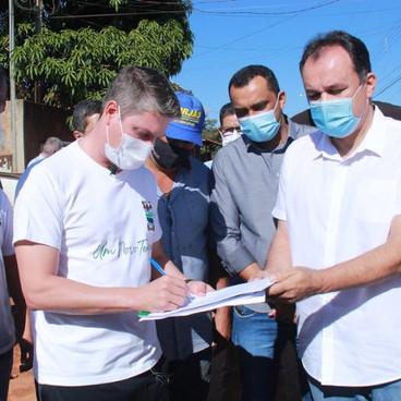 Prefeitura de Águas Lindas dá início as obras de pavimentação asfáltica no Setor Coimbra.